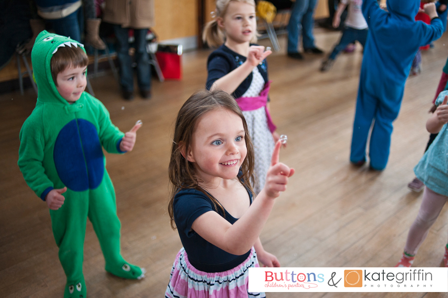 Kate Griffin Photography_Surrey Family Photographer_Buttons Childrens Parties Hampshire_04