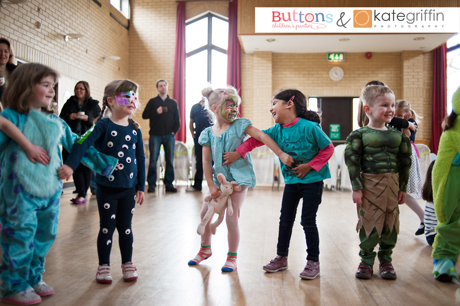 Kate Griffin Photography_Surrey Family Photographer_Buttons Childrens Parties Hampshire_01