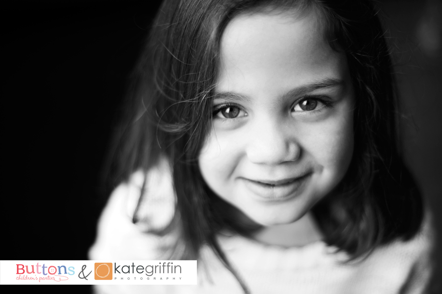 Kate Griffin Photography_Surrey Family Photographer_Buttons Childrens Parties Hampshire_07