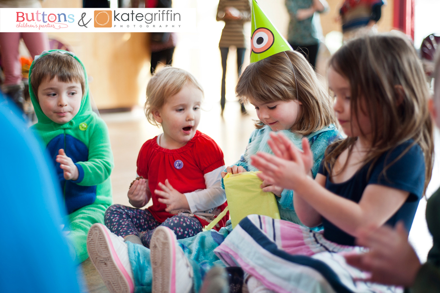 Kate Griffin Photography_Surrey Family Photographer_Buttons Childrens Parties Hampshire_08
